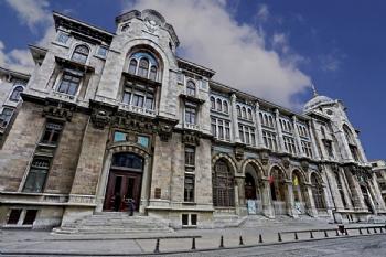 Büyük Postane binası